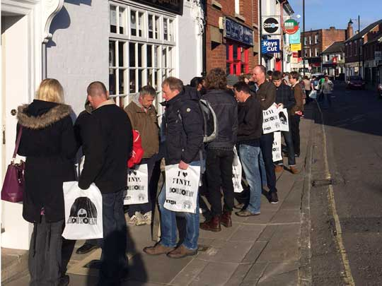 Queuing for Record Store Day 2015 at Hundred Records